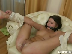 Lovely brunette gets her pussy squirted all over the placevideo