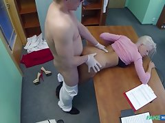 Kinky teen doll went all in to have some sexy fun with her doctorvideo