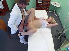 All she wanted to do was get that pussy pounded at the hospitalvideo